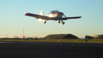 Landing over hinder